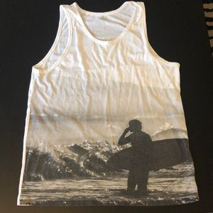 Old navy white tank with surfer